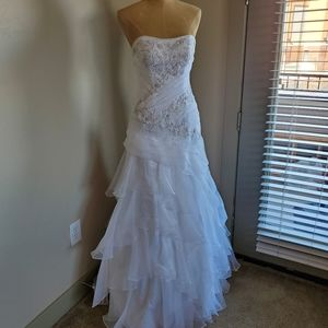 Wedding dress strapless with corset back